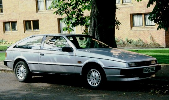 Isuzu_Piazza_ca_1986_Grange_Road_area_nb
