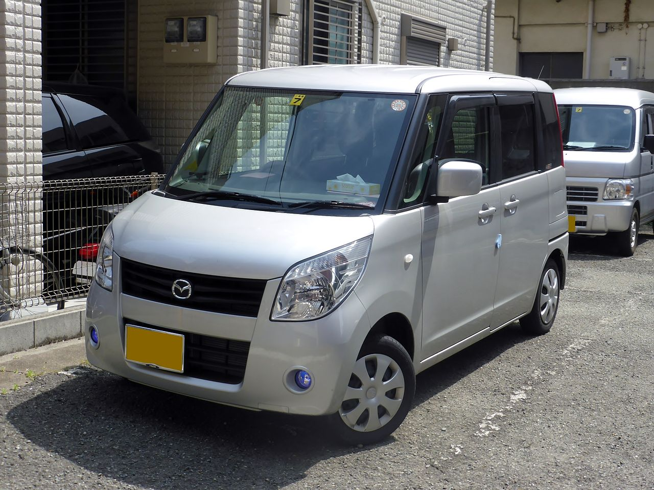 Mazda_FLAIR_WAGON_IS_Limited_(MM21S)_front