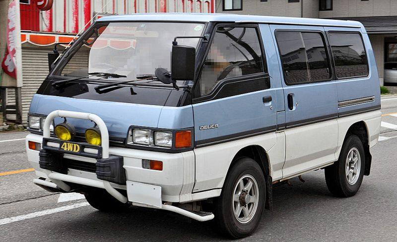 1024px-Mitsubishi_Delica_Star_Wagon_311