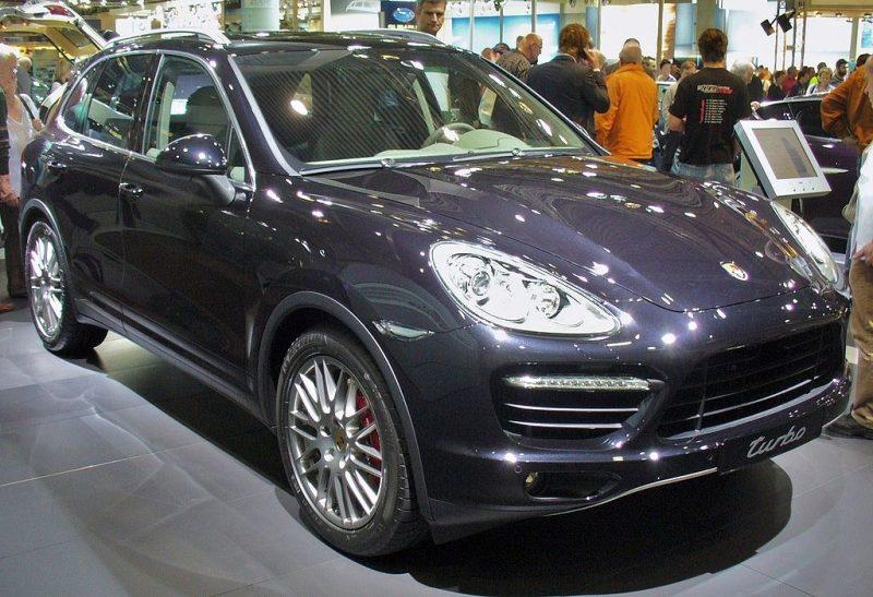 1024px-Porsche_Cayenne_II_Turbo