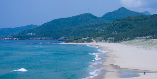 【8/16日まで!】温泉×鳴砂×素潜り漁ができる国内有数の海岸「琴引浜」の3つの魅力