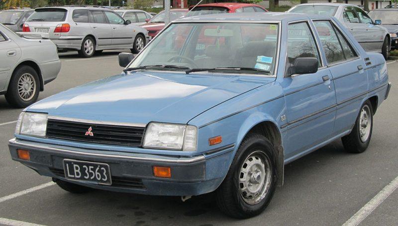 1983_Mitsubishi_Tredia_1.6_GLS_(8153098021)