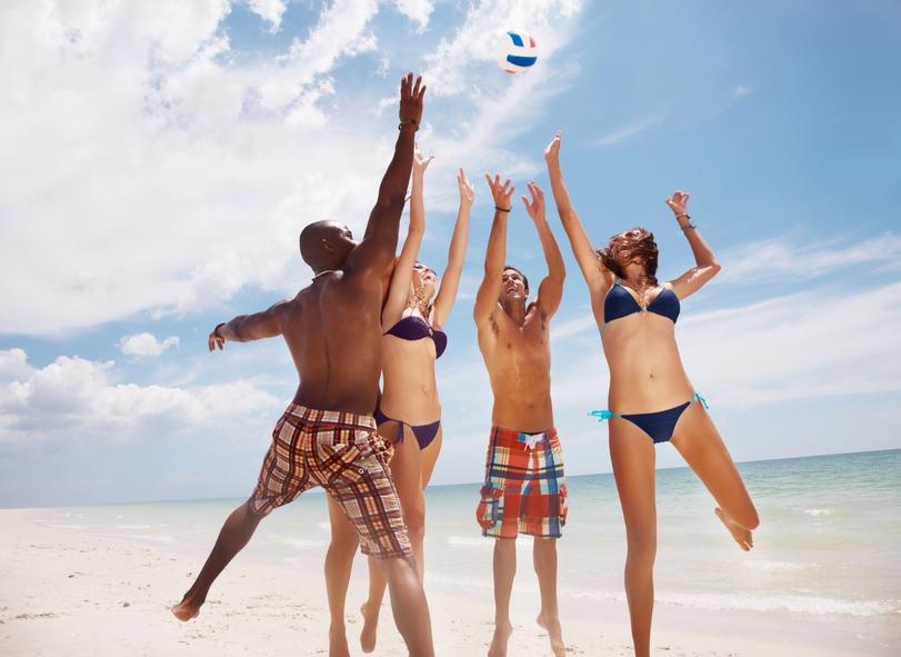 大人も大はしゃぎ!海やプールで遊べるレジャーグッズまとめ