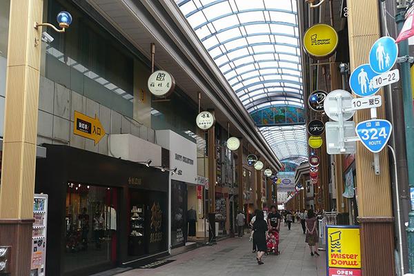 1024px-hamanmachi_nagasaki_eastside_200809