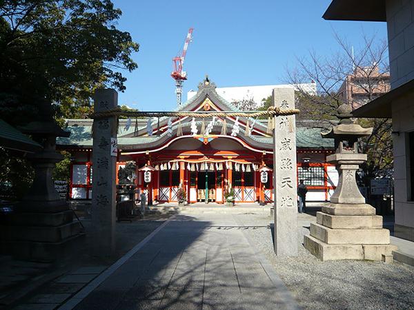 800px-tamatsukuri-inari-jinja_haiden