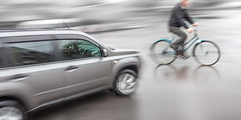 相次ぐ高齢ドライバー問題、自治体などの取り組みは? 免許返納手続きについても紹介!