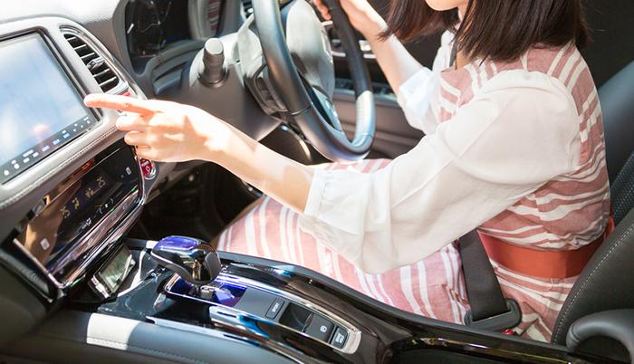 アラサーOLが予算300万円で選ぶ、「女性に優しい駐車の簡単な車」10選