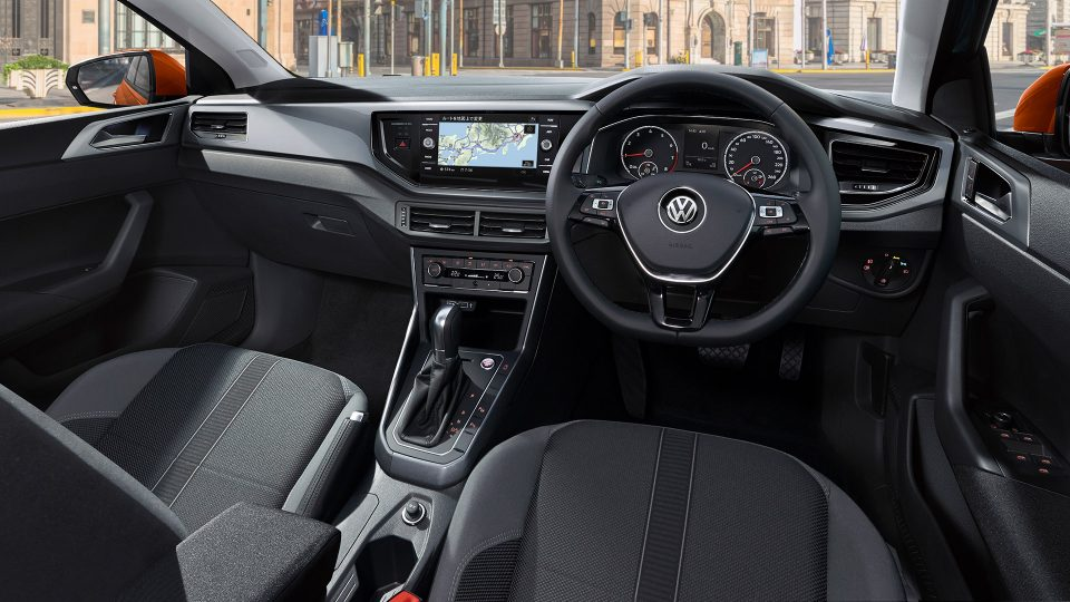 https://www.volkswagen.co.jp/ja/models/polo.html#home&item=4&gallery=152092528900412867