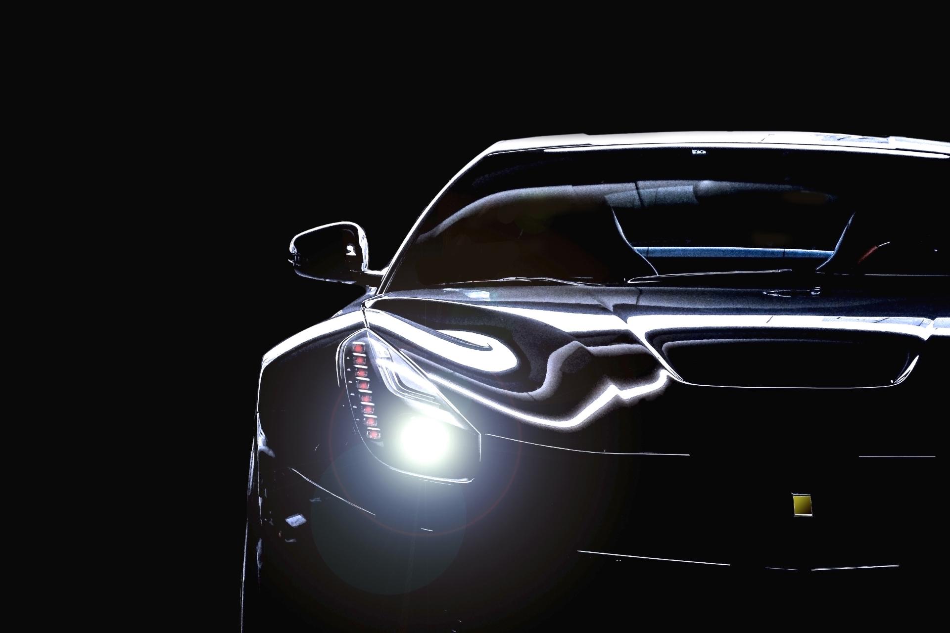 【車購入の基礎知識】クルマのヘッドライトにはどんな種類がある?キセノン、LED、レーザーなどどれが最も明るい?