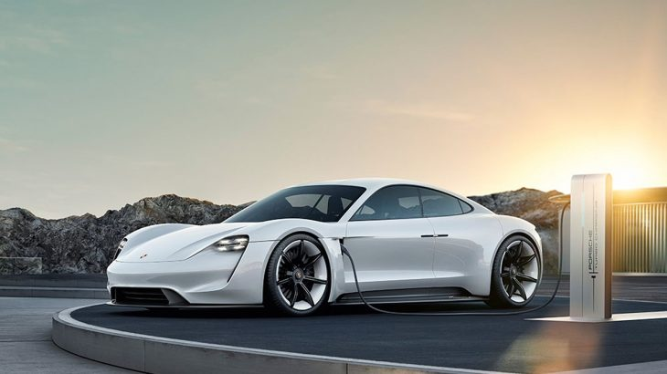 ポルシェのEVスポーツカー、ミッションE改めタイカンに正式名称決定!2019年より発売予定、気になるサイズや価格は?