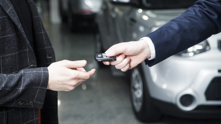 新車の値引き方法のコツ!トヨタ・ホンダ・日産などは販売店系列の異なるディーラーで相見積り!